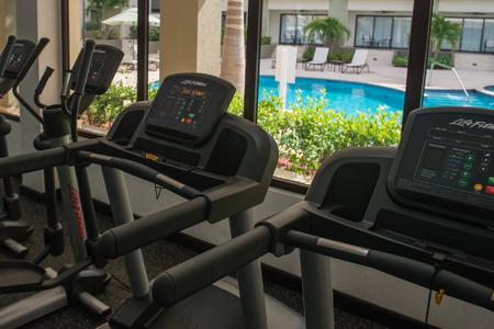 hotel Fitness gym palm aruba condos