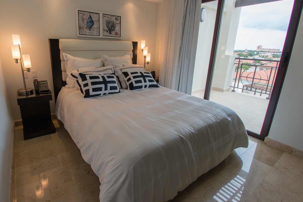 Aruba condos palm beach 501